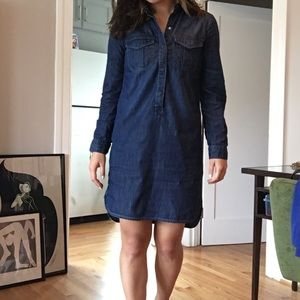 White House Black Market Dresses - WHBM Denim Buttoned Popover Shirt Dress Sz 2